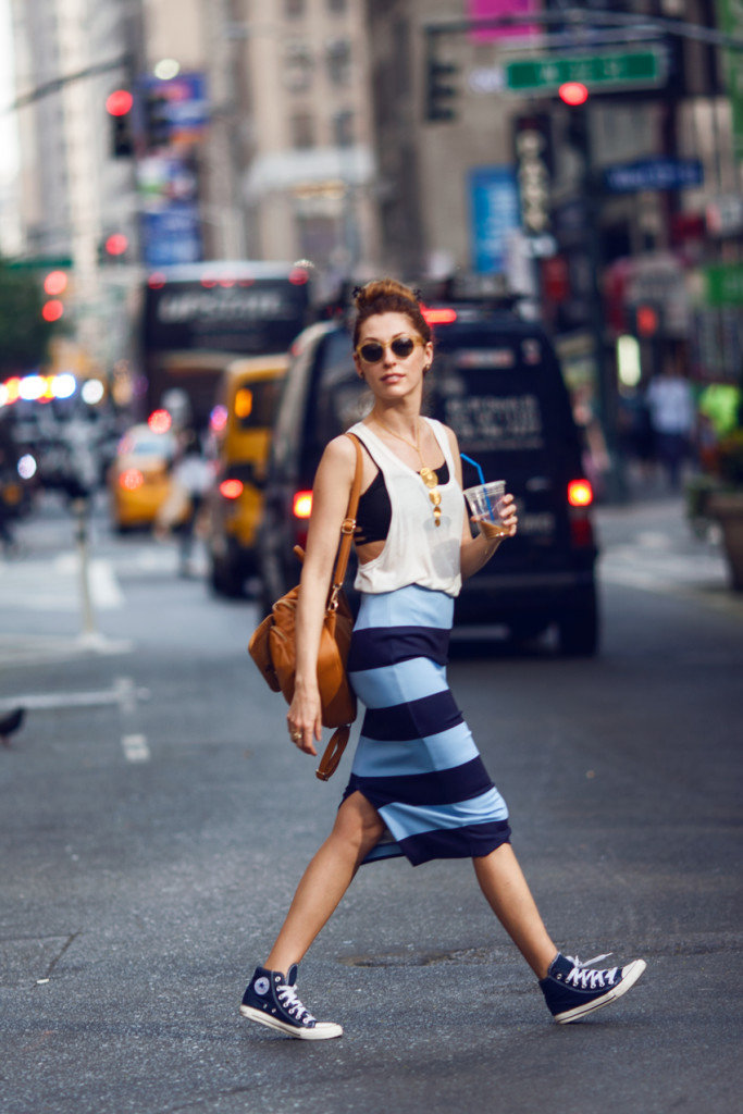 saida-mouradova-twenty-five-hundred-blog-striped-pencil-skirt-converse-sneakers-street-look-2-683x1024